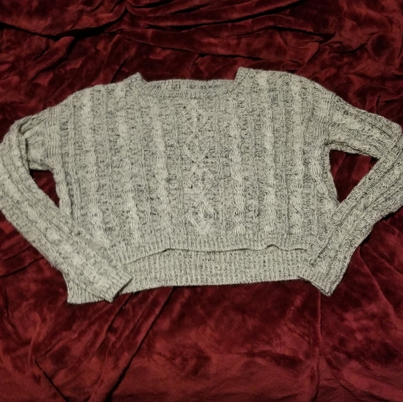 2/$15 G•21 Grey Cropped Sweater